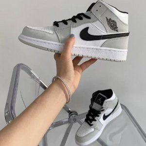 ❤️💙🖤Air Jordan 1 Mid GS Light Smoke Grey